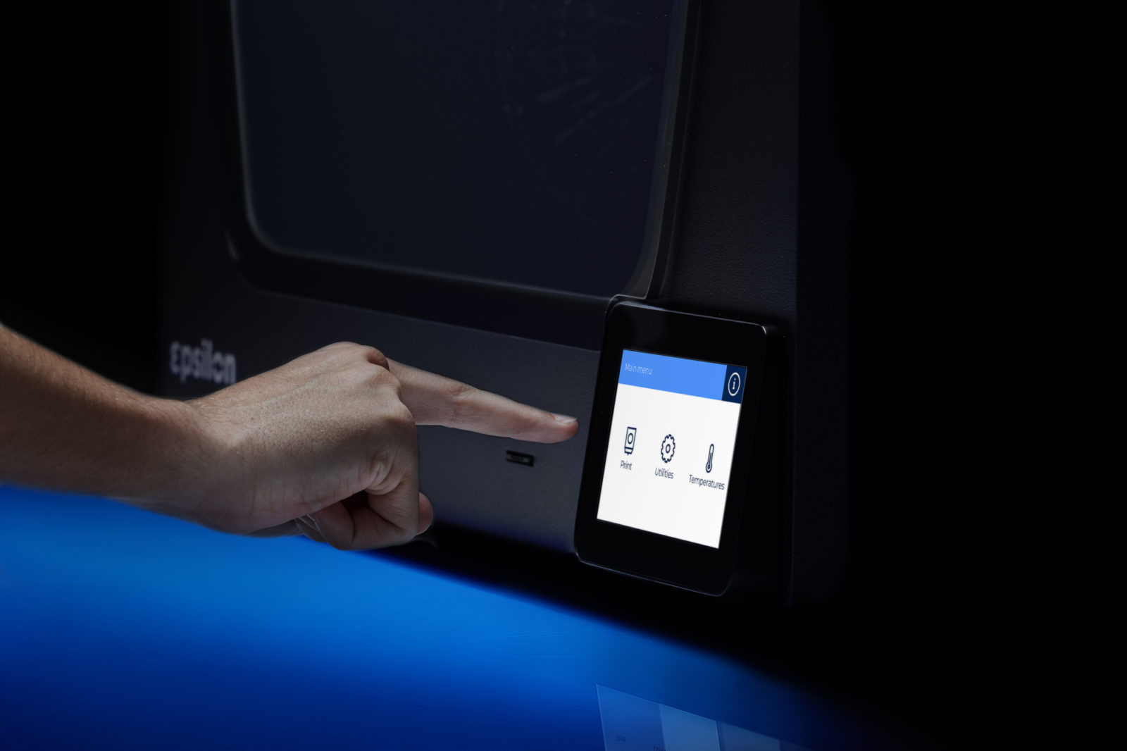 BCN3D Epsilon 3D Printer touchscreen 5 inches user friendly
